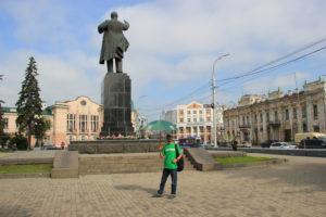 Irkutsk Free Tour Guide waiting at the monument to Lenin